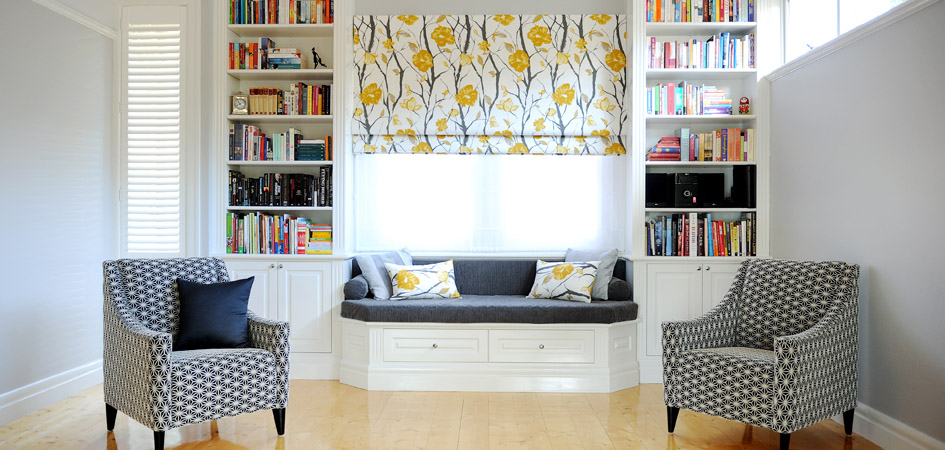 Photo of casual room with simple, modern soft furnishings